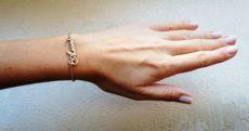 Красивый женский золотой браслет на руку – широкий и тонкий, жесткий и каучуковый, и белого золота
