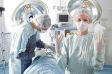 Резиновые медицинские перчатки обеспечивают безопасность врачей и пациентов