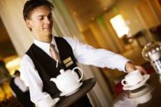 Оригинальная форма для официантов и барменов создаёт имидж заведения